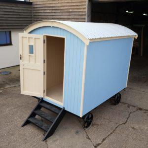 Snug Shepherds Hut